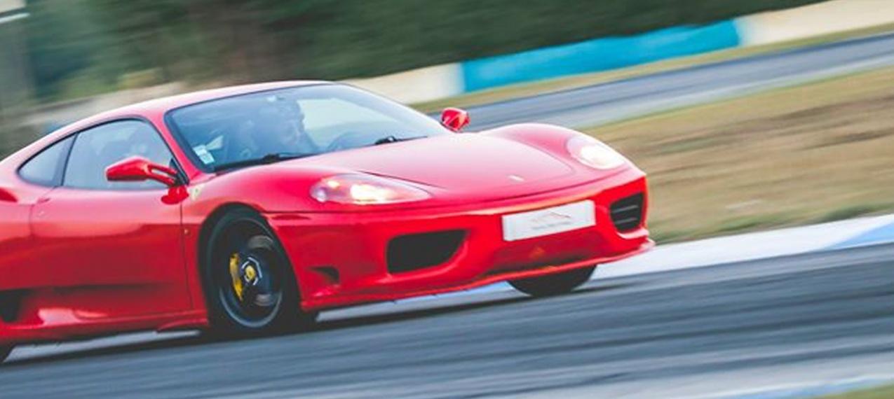 Volta de Ferrari no Autódromo de Braga!